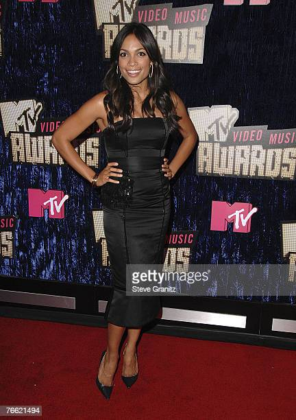 Actress Rosario Dawson arrives at the 2007 Video Music Awards at the Palms Casino Resort on August 9, 2007 in Las Vegas, Nevada.