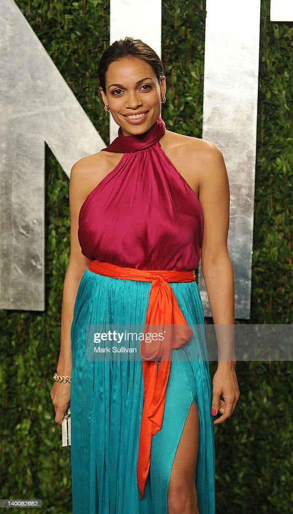 Actress Rosario Dawson arrives at the 2012 Vanity Fair Oscar Party hosted by Graydon Carter at Sunset Tower on February 26, 2012 in West Hollywood, California.