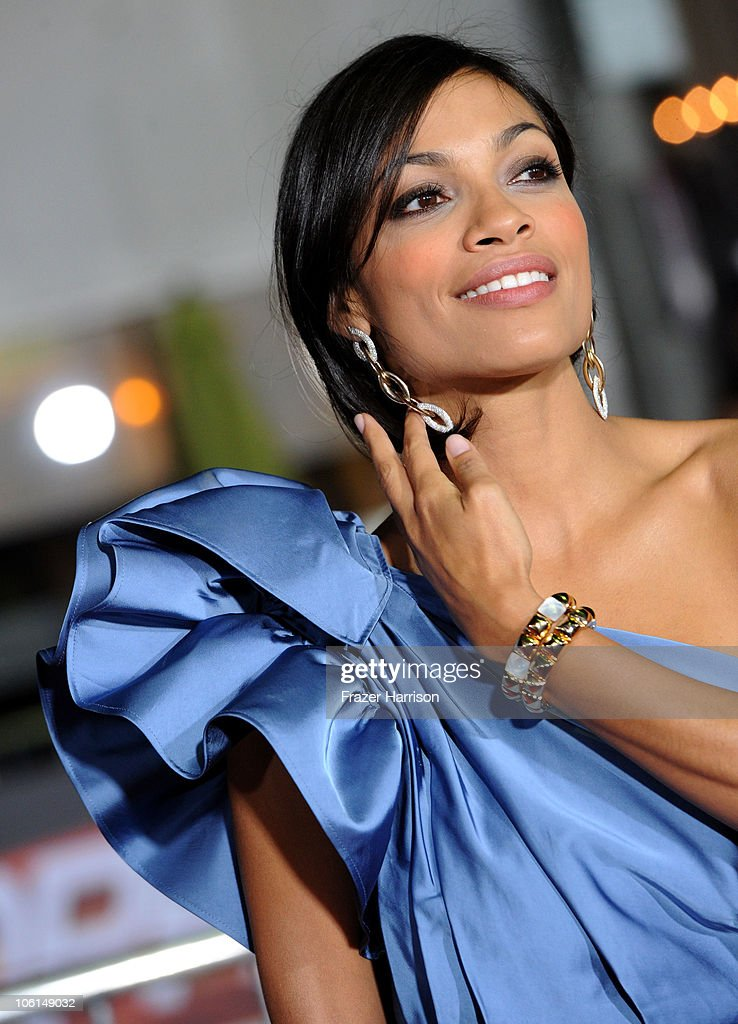 Actress Rosario Dawson arrives at the premiere of Twentieth Century Fox's 'Unstoppable' at Regency Village Theater on October 26, 2010 in Westwood, California.