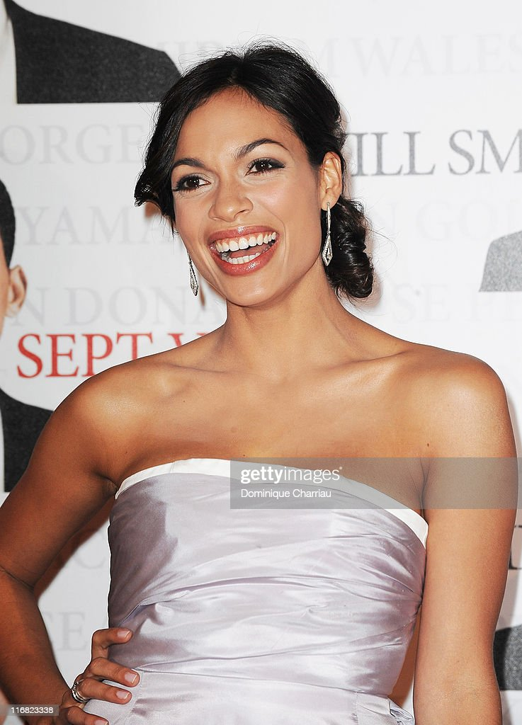 Actress Rosario Dawson attends the Paris Photocall of Seven Pounds at the Gaumont Champs-Elysees on January 5, 2009 in Paris, France.