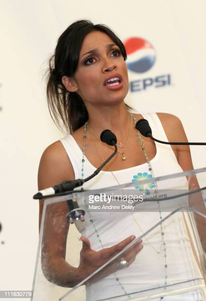 Actress Rosario Dawson poses in the press room at the Live Earth New York Concert held at Giants Stadium on July 7, 2007 in East Rutherford, New...