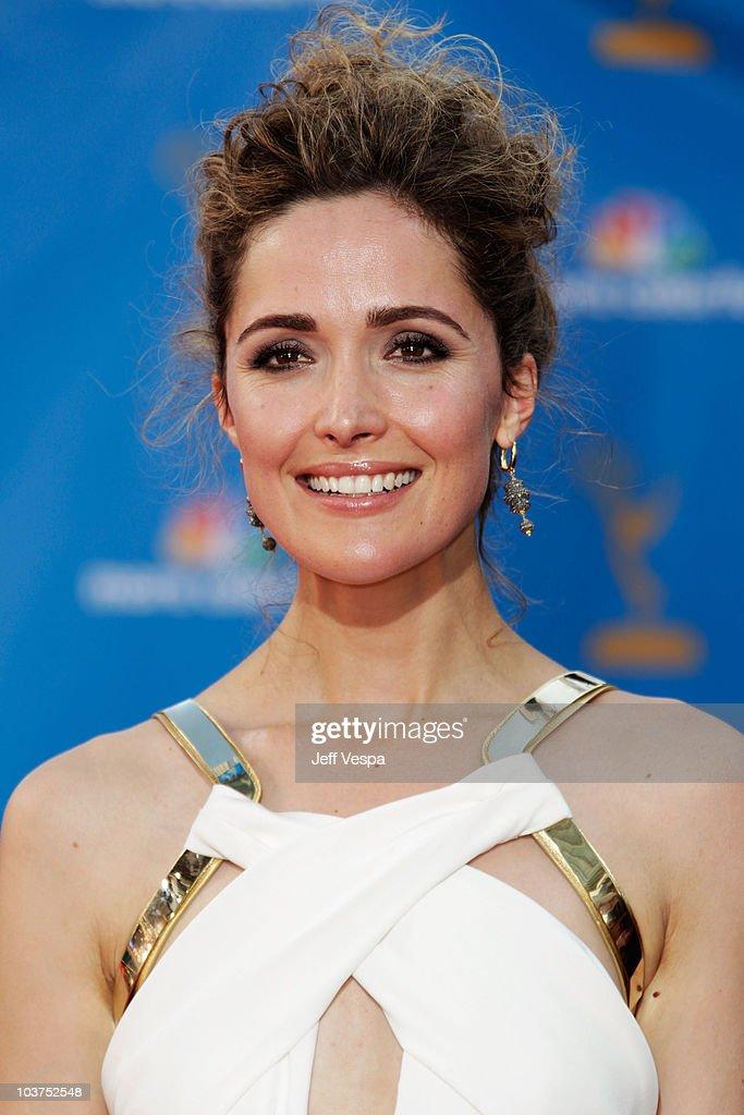 2010 Primetime Emmy Awards - Arrivals : News Photo