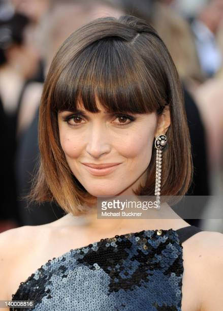 Actress Rose Byrne arrives at the 84th Annual Academy Awards held at the Hollywood & Highland Center on February 26, 2012 in Hollywood, California.