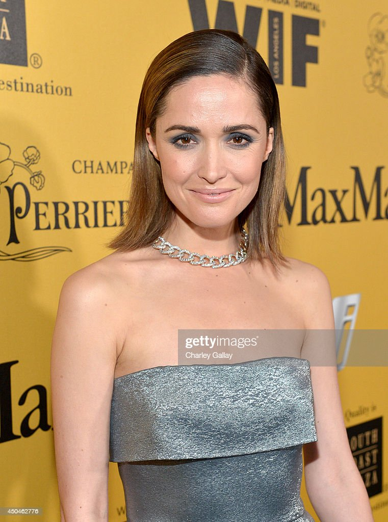 Women In Film 2014 Crystal + Lucy Awards Presented By MaxMara, BMW, Perrier-Jouet And South Coast Plaza - Red Carpet : Fotografía de noticias