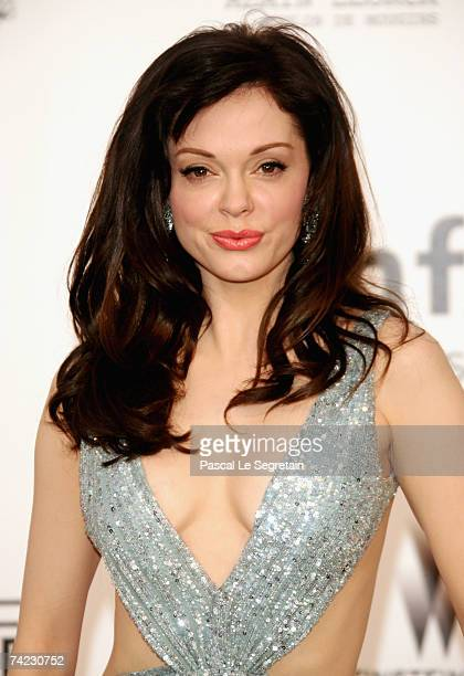 Actress Rose McGowan arrives at the Cinema Against Aids 2007 in aid of amfAR at Le Moulin de Mougins in Mougings on May 23 2007 in Cannes France The...