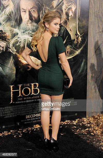 Actress Rose McIver arrives at the Los Angeles premiere of The Hobbit The Desolation Of Smaug at TCL Chinese Theatre on December 2 2013 in Hollywood...