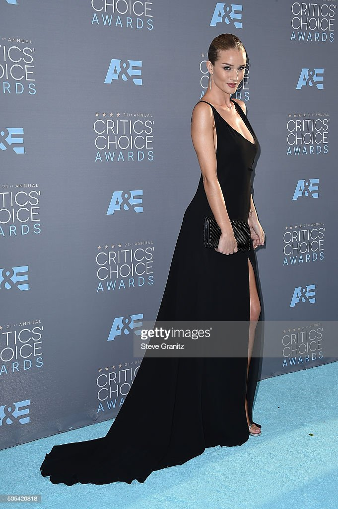 Actress Rosie Huntington-Whiteley attends the 21st Annual Critics' Choice Awards at Barker Hangar on January 17, 2016 in Santa Monica, California.