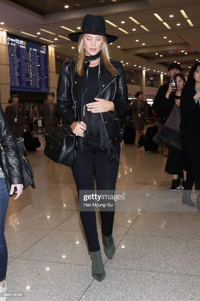 Rosie Huntington-Whiteley Arrives In Incheon : News Photo