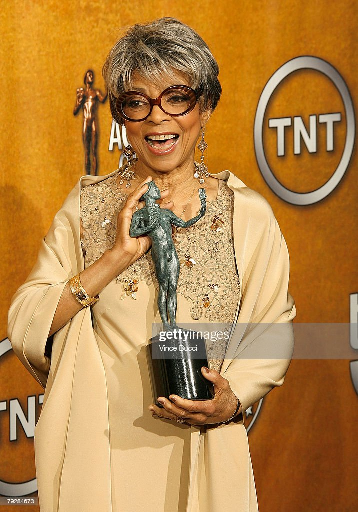 Actress Ruby Dee poses with the Outstanding Performance by a Female Actor in a Supporting Role Award for 'American Gangster'in the press room during the 14th annual Screen Actors Guild awards held at the Shrine Auditorium on January 27, 2008 in Los Angeles, California.