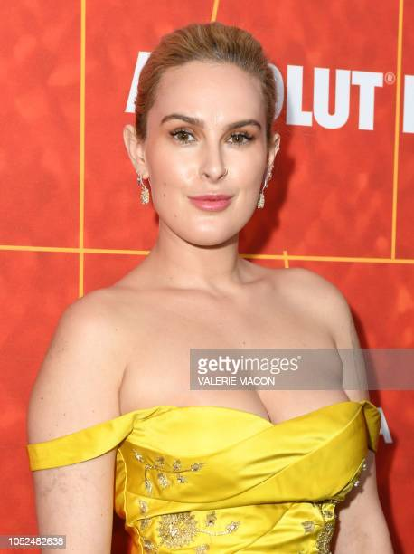Actress Rumer Willis arrives at the amfAR Gala Los Angeles at the Wallis Annenberg Center for the Performing Arts on October 18, 2018 in Beverly...