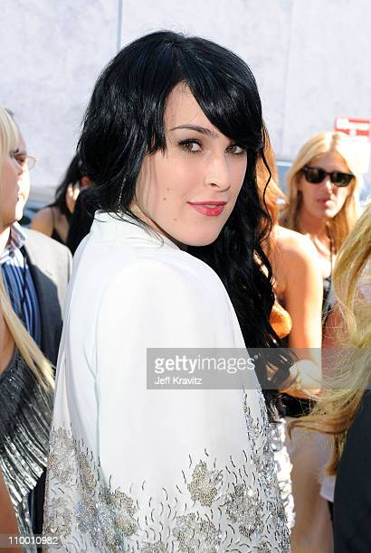 Actress Rumer Willis arrives to the 2008 MTV Movie Awards at the Gibson Amphitheatre on June 1, 2008 in Universal City, California.