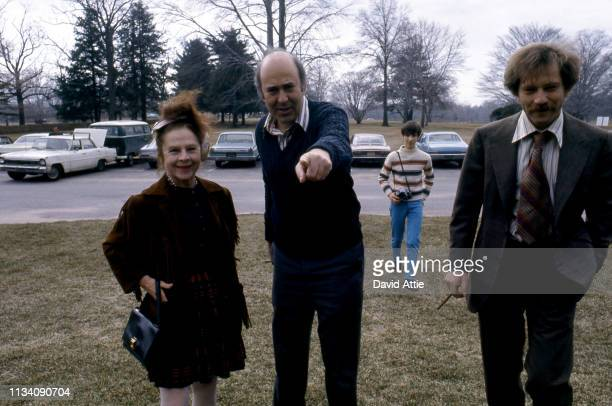 Actress Ruth Gordon Director Carl Reiner and actor George Segal on the set of the movie Where's Poppa in May 1970 in Long Island New York