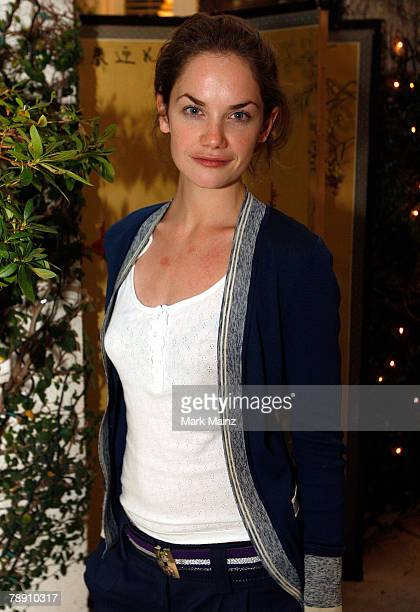 Actress Ruth Wilson poses during the 2008 World Experience DPA gift lounge held at the The Peninsula Hotel on January 11, 2008 in Beverly Hills,...