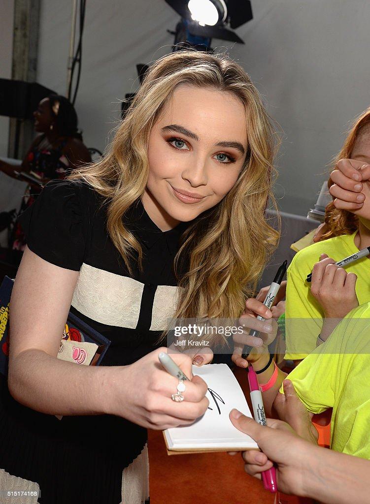Nickelodeon's 2016 Kids' Choice Awards - Red Carpet : News Photo