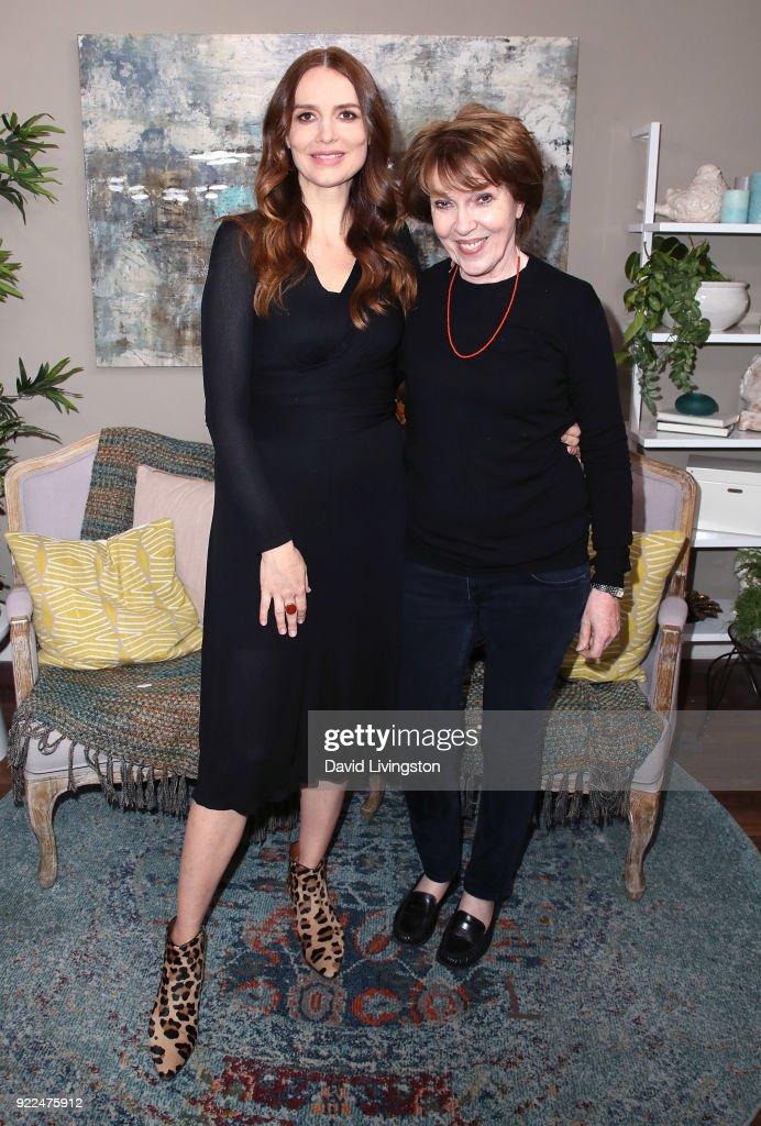 Celebrities Visit Hallmark's 'Home & Family' : Photo d'actualité