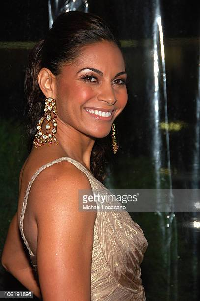 Actress Salli Richardson attends I am Legend premiere at the WaMu Theater at Madison Square Garden on December 11 2007 in New York City