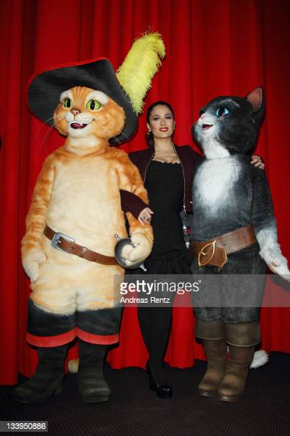 Actress Salma Hayek attends the German Premiere 'Der Gestiefelte Kater' at CineStar on November 22 2011 in Berlin Germany