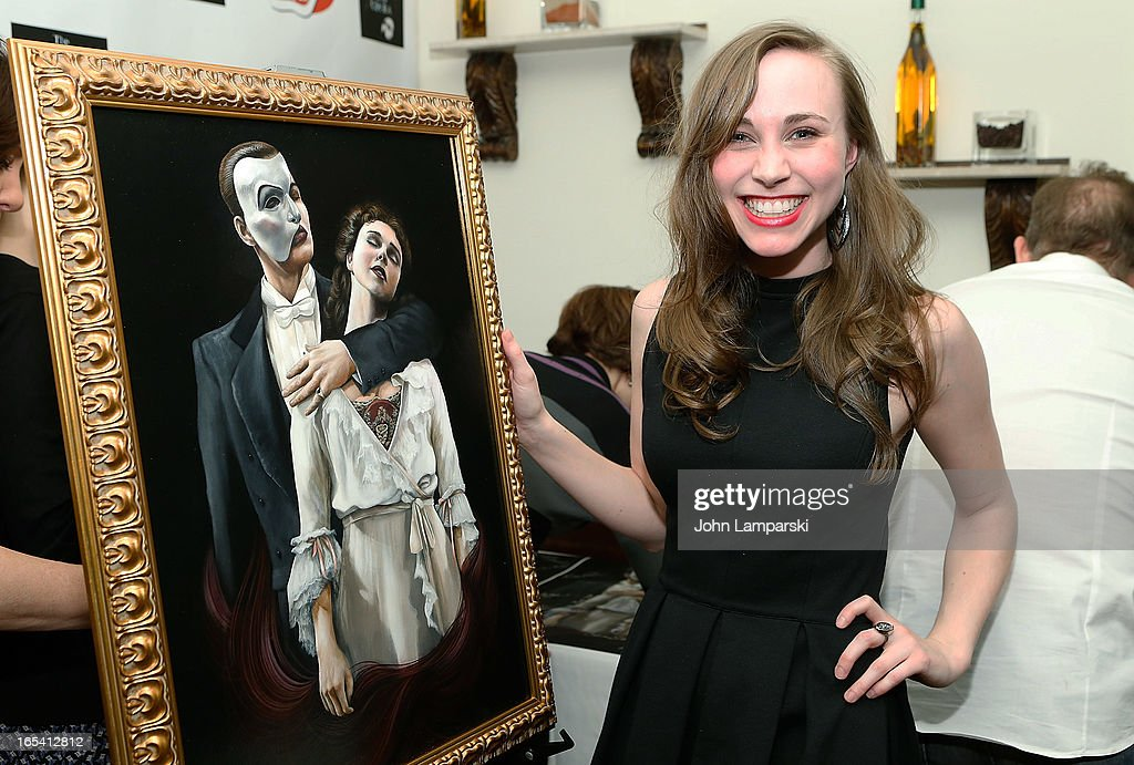 Actress Samantha Hill attends the 'Phantom Of The Opera' portrait unveiling>> at Tony's di Napoli on April 3, 2013 in New York City.