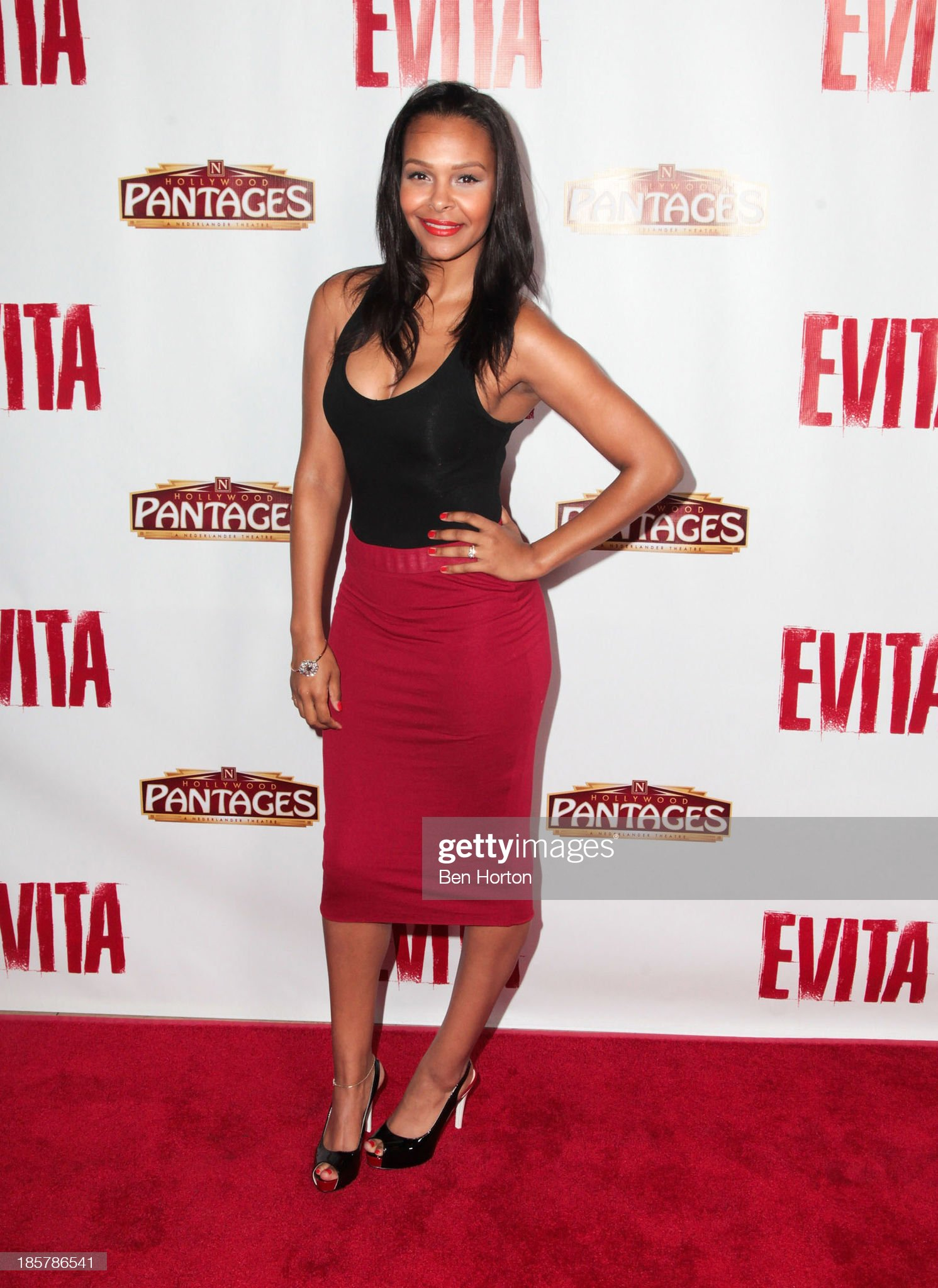 ¿Cuánto mide Samantha Mumba? - Altura - Real height Actress-samantha-mumba-attends-the-evita-los-angeles-opening-night-at-picture-id185786541?s=2048x2048