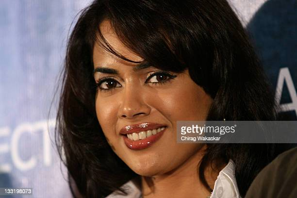 Sameera Reddy Pictures And Photos