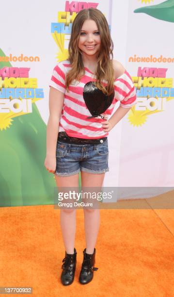 Actress Sammi Hanratty arrives on the orange carpet at the Nickelodeon Kids' Choice Awards 2011 at USC's Galen Center April 2 2011 in Los Angeles...