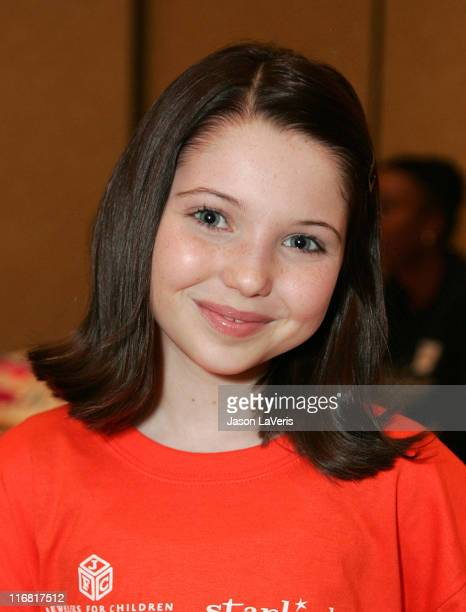 Actress Sammi Hanratty attends ''A Sparkling Sundae'' at the Renaissance Montura Hotel on March 9 2008 in Los Angeles California