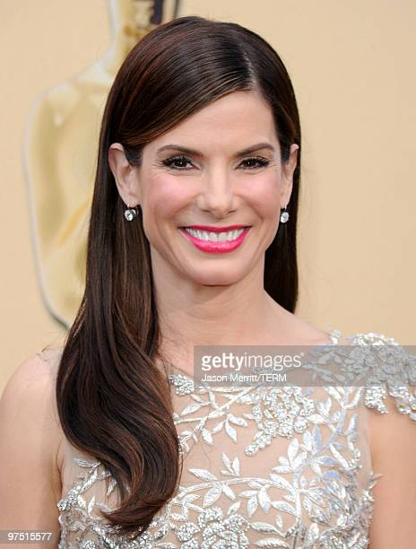 Actress Sandra Bullock arrives at the 82nd Annual Academy Awards held at Kodak Theatre on March 7, 2010 in Hollywood, California.