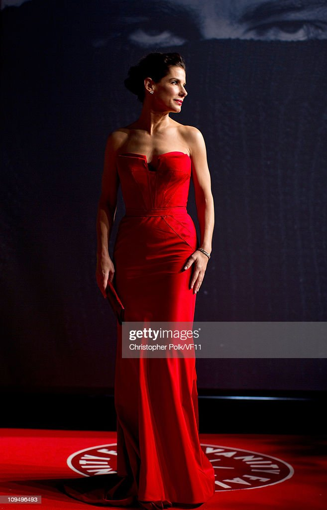 Actress Sandra Bullock attends the 2011 Vanity Fair Oscar Party Hosted by Graydon Carter at the Sunset Tower Hotel on February 27, 2011 in West Hollywood, California.