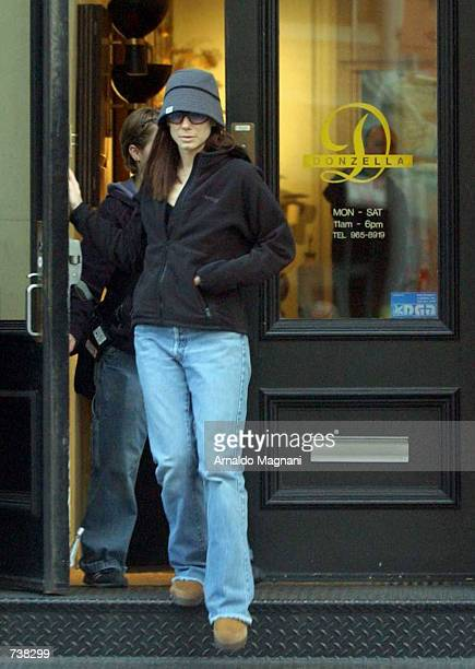 Actress Sandra Bullock goes shopping before filming 'Two Weeks Notice' March 29 2002 in New York City