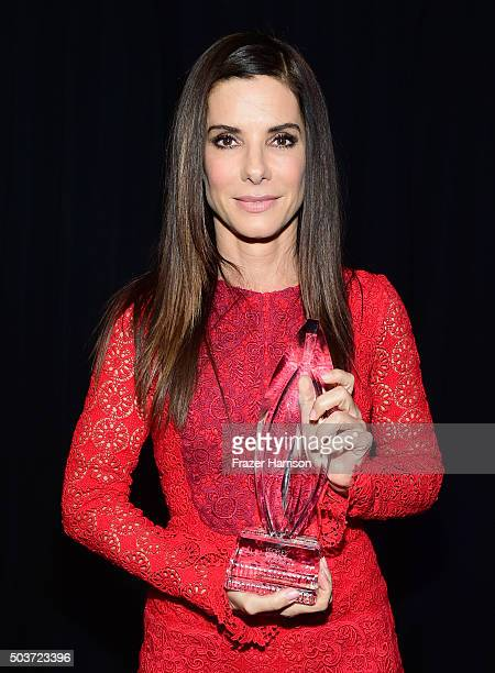 Actress Sandra Bullock winner of the award for Favorite Movie Actress attends the People's Choice Awards 2016 at Microsoft Theater on January 6 2016...