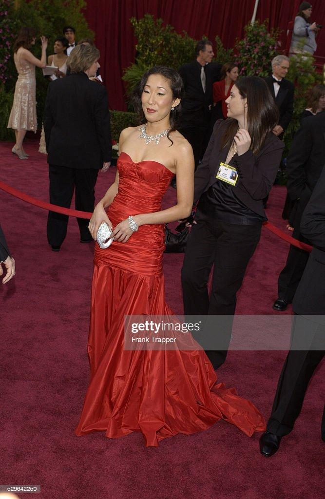 Oscars 2005 - Arrivals : News Photo