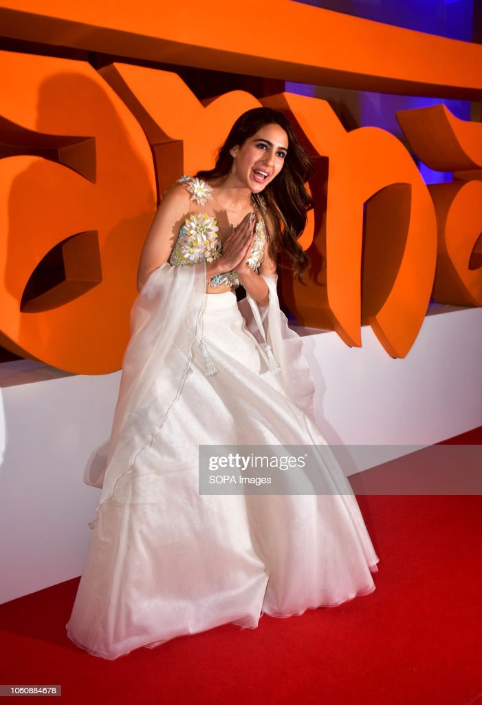 Actress Sara Ali Khan pose for photos on the trailer launch... : News Photo