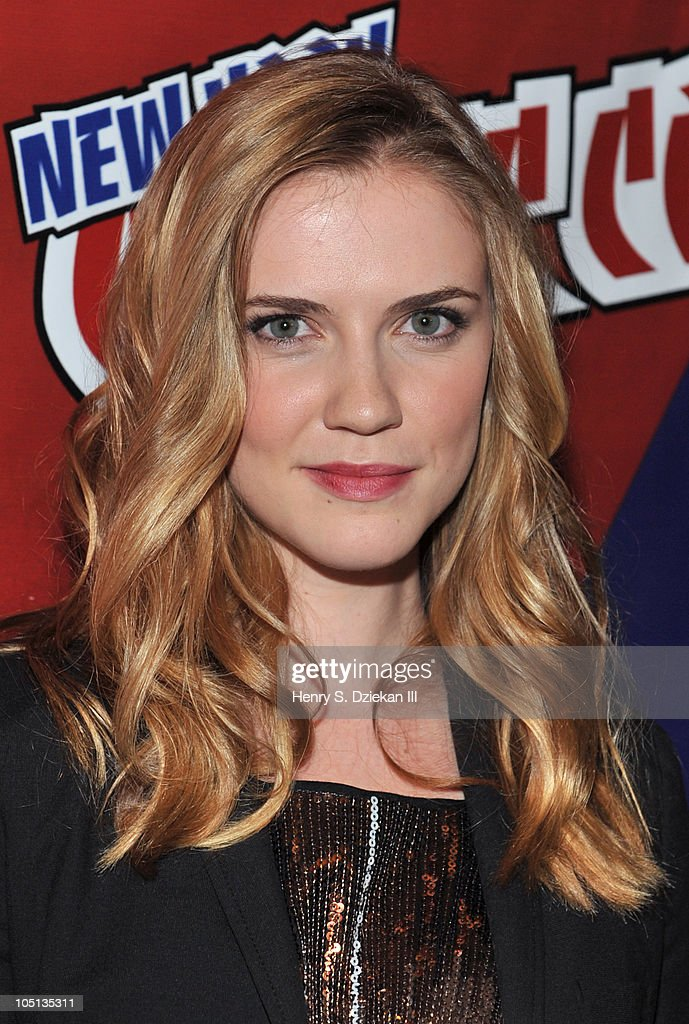 Actress Sara Canning attends the 2010 New York Comic Con at the Jacob Javitz Center on October 10, 2010 in New York City.