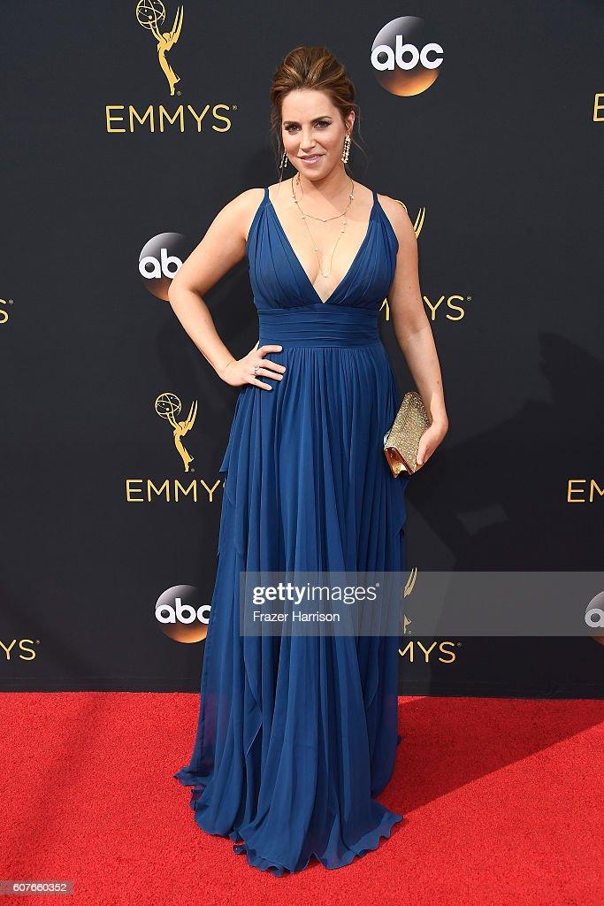 68th Annual Primetime Emmy Awards - Arrivals : Foto jornalística