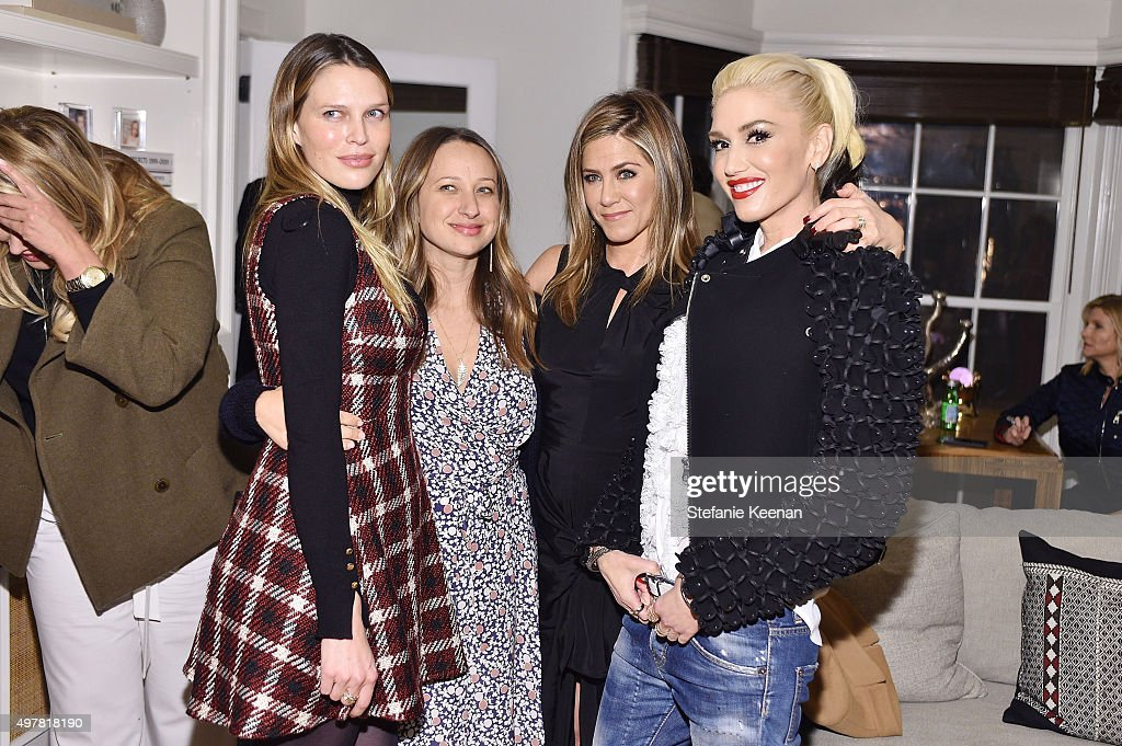 Barneys New York, Jennifer Aniston, And Tobey Maguire Host A Private Dinner To Celebrate The Barneys New York XO Jennifer Meyer Exclusive RTW Collaboration : News Photo