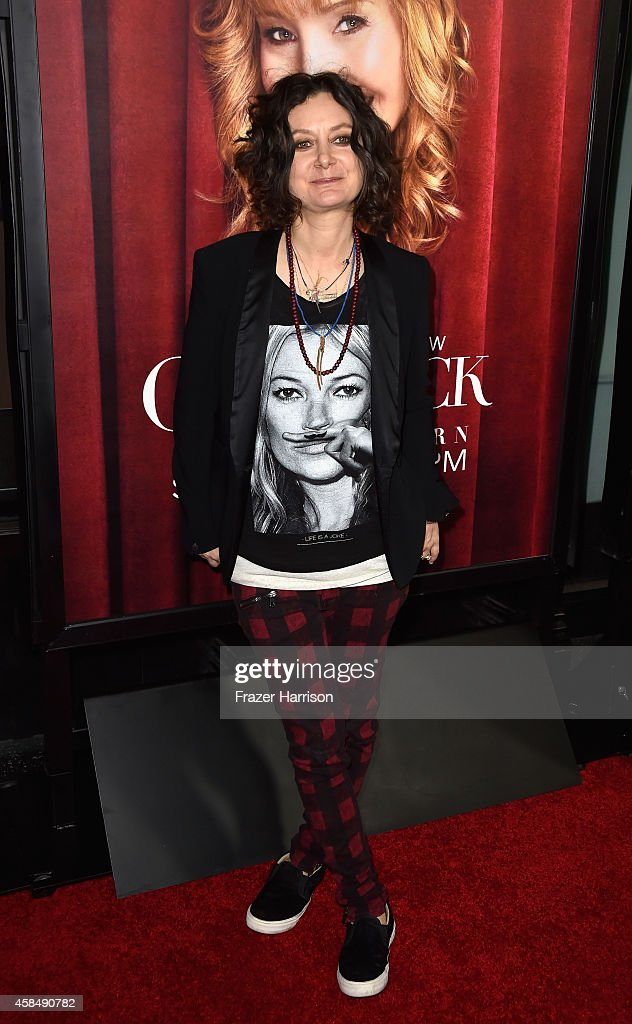 Actress Sara Gilbert arrives at the premiere of HBO's 'The Comeback' at the El Capitan Theatre on November 5, 2014 in Hollywood, California.