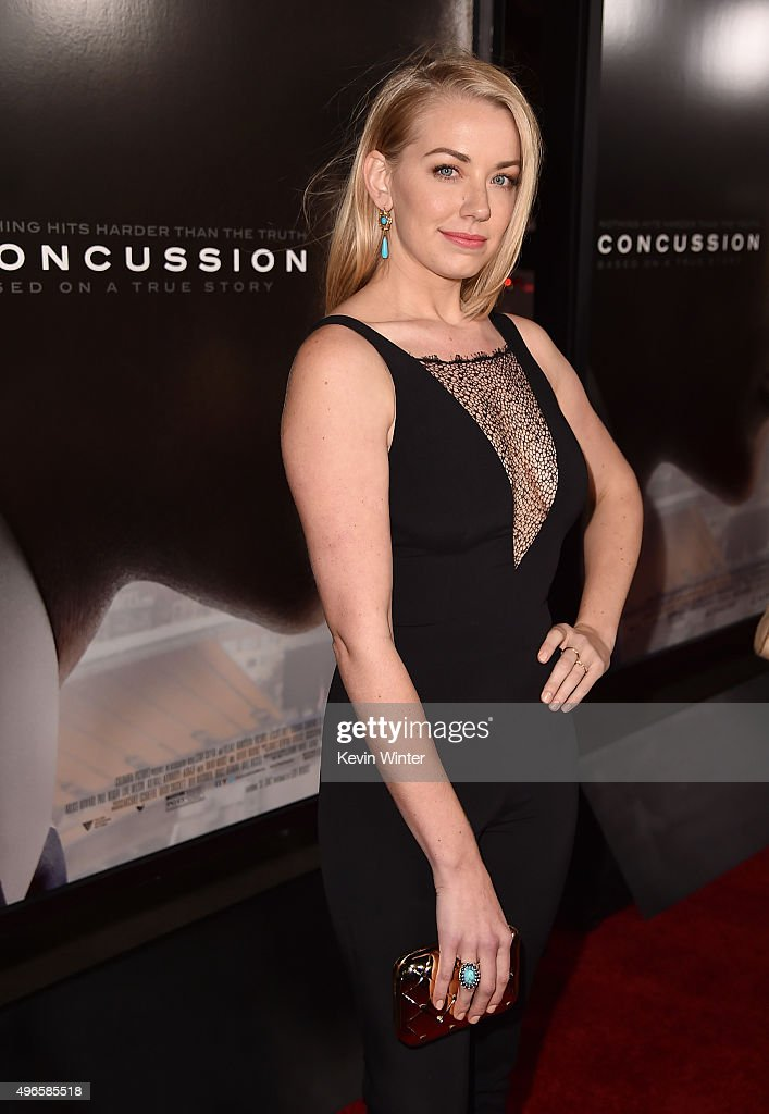 Actress Sara Lindsey attends the Centerpiece Gala Premiere of Columbia Pictures' 'Concussion' during AFI FEST 2015 presented by Audi at TCL Chinese Theatre on November 10, 2015 in Hollywood, California.