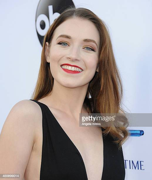 """Actress Sarah Bolger attends ABC's """"Once Upon A Time"""" Season 4 red carpet premiere at the El Capitan Theatre on September 21, 2014 in Hollywood,..."""