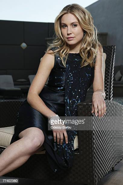 Actress Sarah Carter is photographed for Hello Canada on January 6 2006 in Los Angeles California