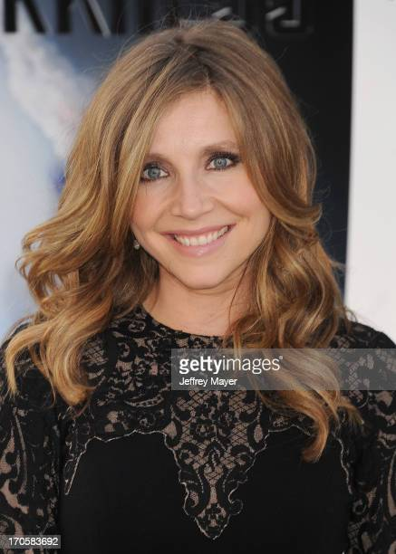 Actress Sarah Chalke arrives at the Los Angeles premiere of 'Star Trek: Into Darkness' at Dolby Theatre on May 14, 2013 in Hollywood, California.