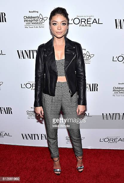 Actress Sarah Hyland attends a DJ night hosted by Vanity Fair L'Oreal Paris Hailee Steinfeld at Palihouse Holloway on February 26 2016 in West...