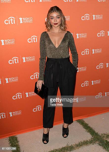 Actress Sarah Hyland attends Los Angeles' No Kid Hungry Dinner on September 28 2016 in Los Angeles California