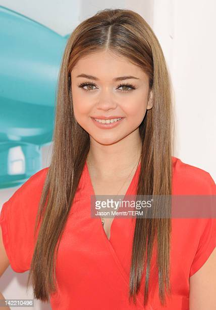 Actress Sarah Hyland attends Nickelodeon's 25th Annual Kids' Choice Awards held at Galen Center on March 31 2012 in Los Angeles California