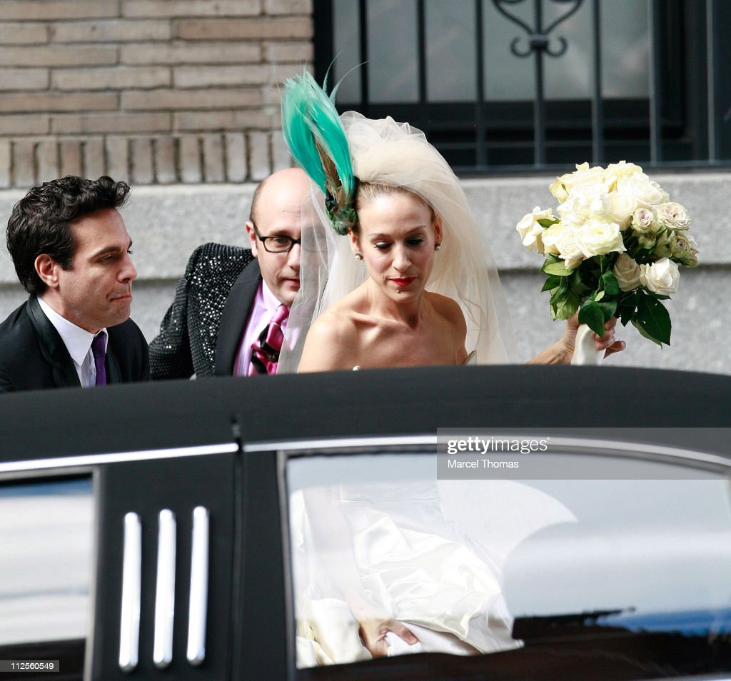 Actress Sarah Jessica Parker, actor Mario Cantone and actor Willie Garson on the set of 'Sex and the City: The Movie' on location on the Upper East Side October 2, 2007 in New York City.