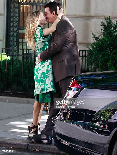 Actress Sarah Jessica Parker and actor Chris Noth on the first day of filming for Sex and the City The Movie September 19 2007 in New York City