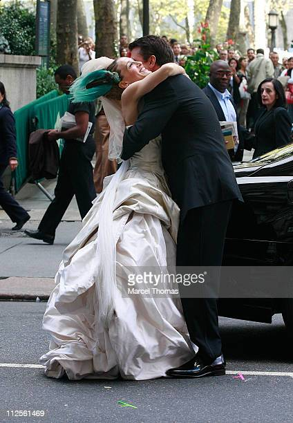 Actress Sarah Jessica Parker and actor Chris Noth on the set of Sex and the City The Movie in Midtown Manhatan on October 12 2007 in New York City...
