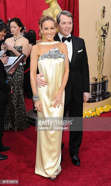 Actress Sarah Jessica Parker and husband actor Matthew Broderick arrive at the 82nd Annual Academy Awards held at Kodak Theatre on March 7, 2010 in...