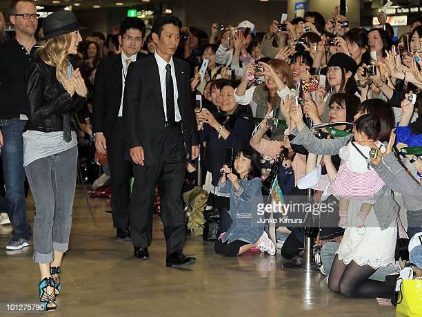 Actress Sarah Jessica Parker arrives at Narita Airport on May 30 2010 in Narita Japan