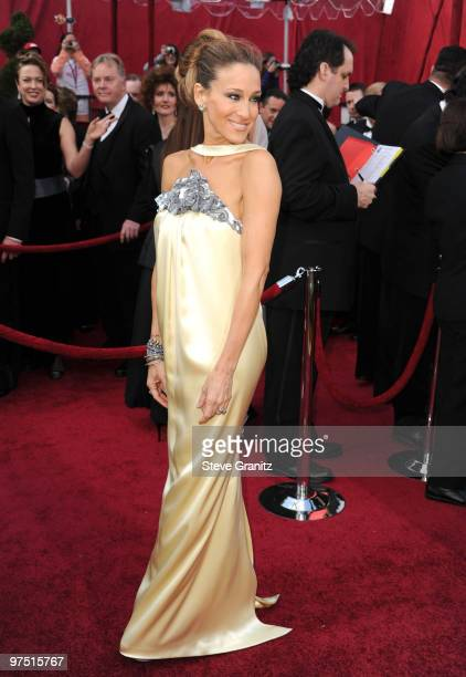Actress Sarah Jessica Parker arrives at the 82nd Annual Academy Awards held at the Kodak Theatre on March 7 2010 in Hollywood California