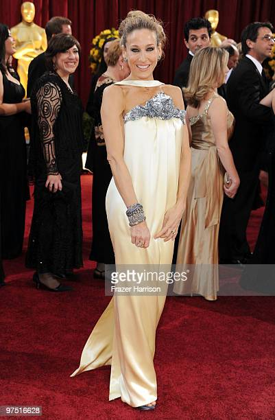 Actress Sarah Jessica Parker arrives at the 82nd Annual Academy Awards held at Kodak Theatre on March 7, 2010 in Hollywood, California.